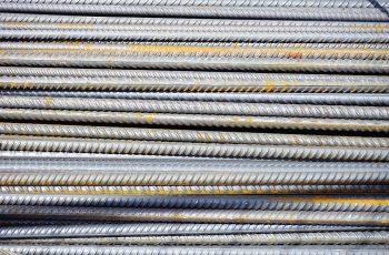 bâtons d'acier