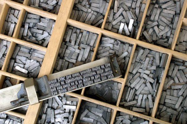 barres lettres plomb